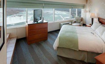 Radisson Hotel and Suites Fallsview