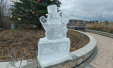 Snowman Ice Sculpture by the Ice Guys